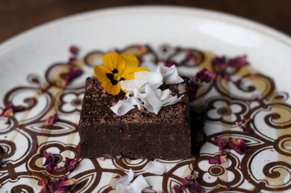 Raw chocolate no-sugar brownie