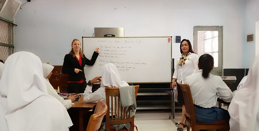 Gillian working with students at SMK 6 in Yogyakarta