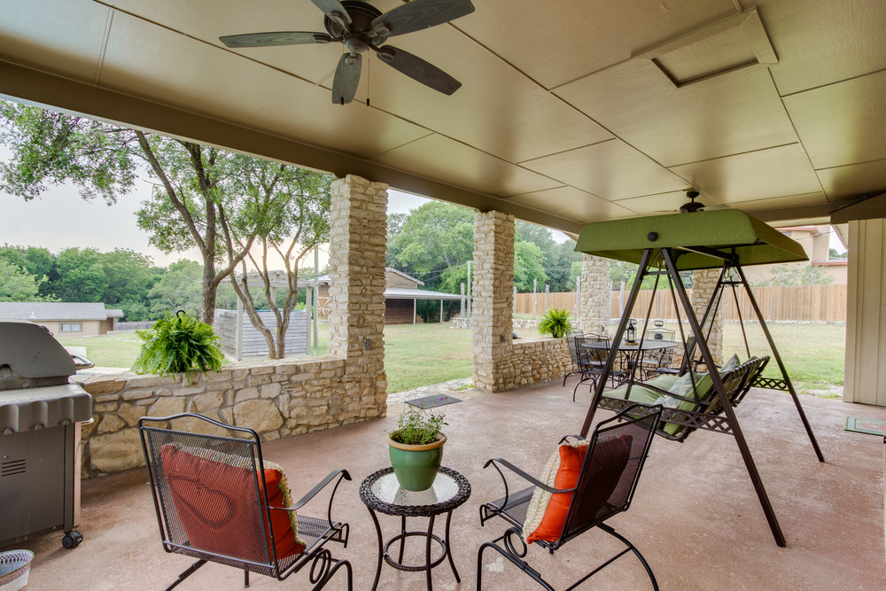 Details - 2,000 Square Feet, 3 Bedrooms, 2 Bathroom, Patio, Grill, Fireplace, and Private PoolStandard Nightly Rates:$250.00 Weekdays, $290.00 WeekendsHoliday Nightly Rates:$280.00 Weekdays, $350.00 Weekends & Holidays