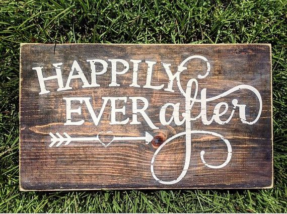 453cc4bef2beeacbe31afd7311e642b4--wedding-pallet-signs-rustic-wooden-sign-wedding-gift.jpg