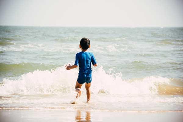 beach-boy-child.600.jpg