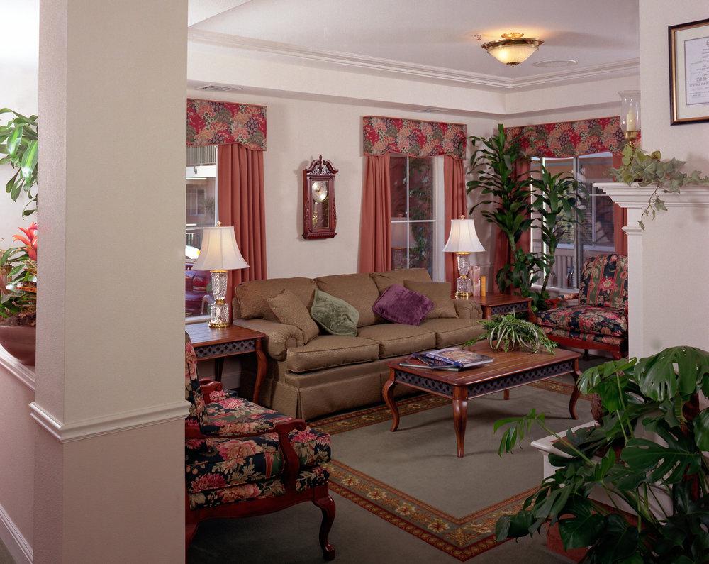 Manse+Livingroom_horizontal.jpg