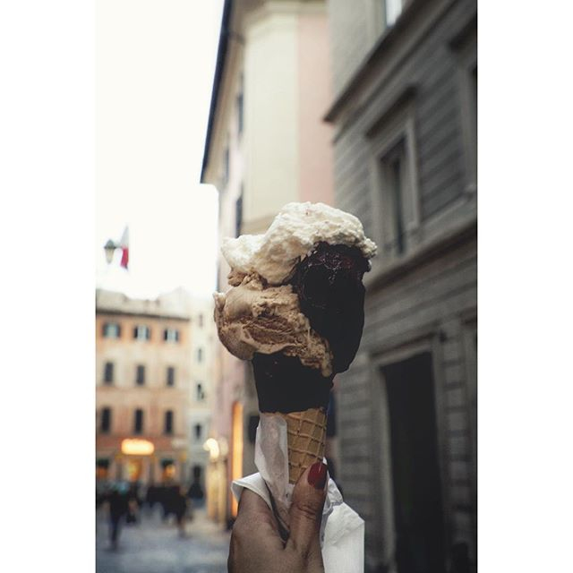*fantasizing about giant #gelato and cute italian streets 😋