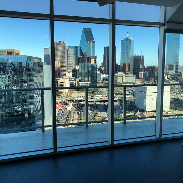 8 weeks FREE in this high rise near #downtowndallas , #victorypark and #uptowndallas - go to legacylocators.com for more info and free locating.