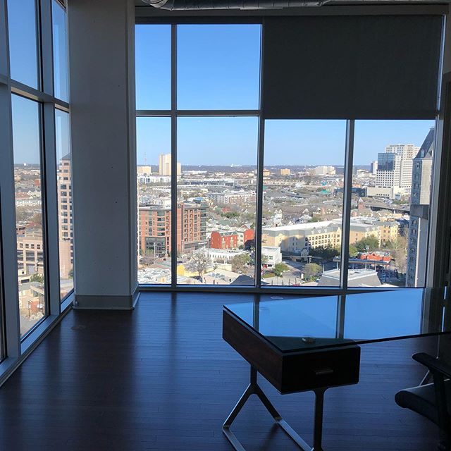 1 bedrooms starting at $1489 • This is no ordinary apartment as you can tell. Follow @legacylocator and go to legacylocators.com for luxury high rise apartments all over #dfw • We offer free moves and other incentives to use our #free service!