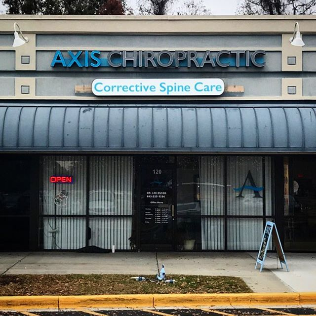 New home. New sign. New Year! // Axis Chiropractic moved into the Island Plaza Shopping Center on Folly Road and is ready to start the New Year with their day/night, channel letter + capsule sign.☀️ 🌙 Book an appointment with Dr. Russo and his team to get aligned and ease some holiday stress! ⠀ •⠀ •⠀ •⠀ #chiropractor #jamesisland #sign #day #night #printing #charleston #channelletters #graphics #installation #strivetobedifferent #outsidetheboxsc #supportlocal