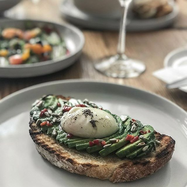 Sundaze ☁️ Word is, our heavenly Avocado Toast is so good it will put you in a trance. Bite into this piece of heaven today. Brunch ends at 3. #cloudnine // 📸: @brittiepoo