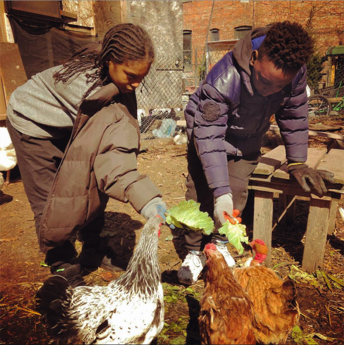 180305-urban-farms-bushwick-city-farms-kids2-700x702.jpg