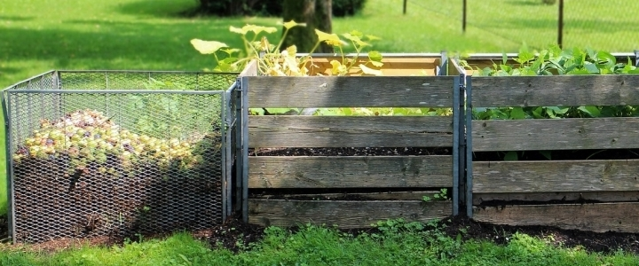 Piles of compost. (Source:  A BEGINNER'S GUIDE TO COMPOSTING AT HOME )