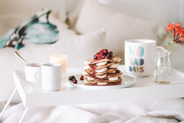 #MothersDay is this weekend and there is nothing moms love more than getting a #homemadebreakfastinbed! My mom's personal favorite? Pancakes, of course! 🥞⠀ What will you be making your mom for a special #MothersDaybreakfast this Sunday? Tell me in the comments! 👇🏻⠀ .⠀ .⠀ .⠀ .⠀ .⠀ .⠀ #healthchefjulia #healthycooking #healthycookingtips #healthychef #healthycookingmadeeasy #healthylivingtips #healthyeating #healthymealideas #mealprepgang #NYCfoodie #NYCeats #NYCchef #healthyfoodshare #learntocook #cookwithme #IIN #personalchef #cleaneating #mothersdayfun #mothersday2019 #mothersdayrecipes #mothersdaybrunch #weekendbrunch #breakfastinbed #healthybreakfast #pancakesforbreakfast #pancakesandfruit