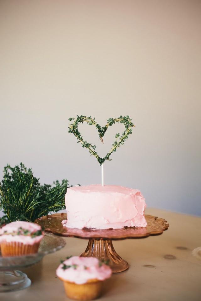 Diy Valentine S Day Cake Topper Goldmine