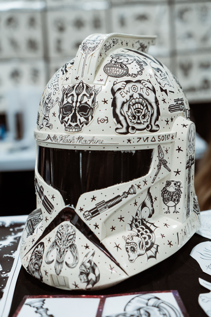 If you ask us, Star Wars costumes would have been much more interesting if they had all been as decorated as this.