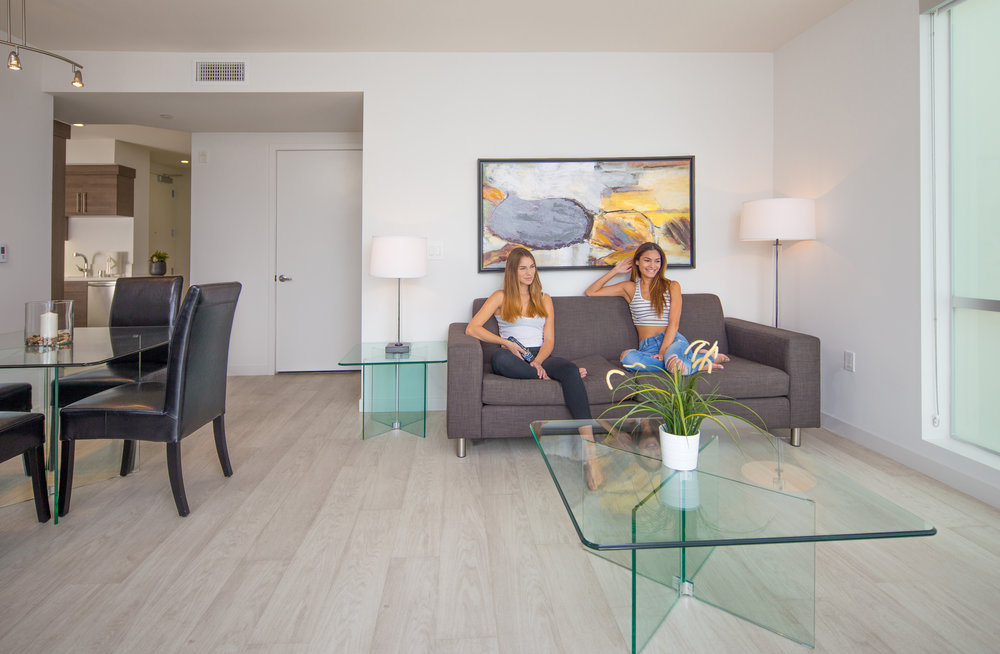 Santa-Monica-Apartments-1427-7th-Lifestyle-2.jpg