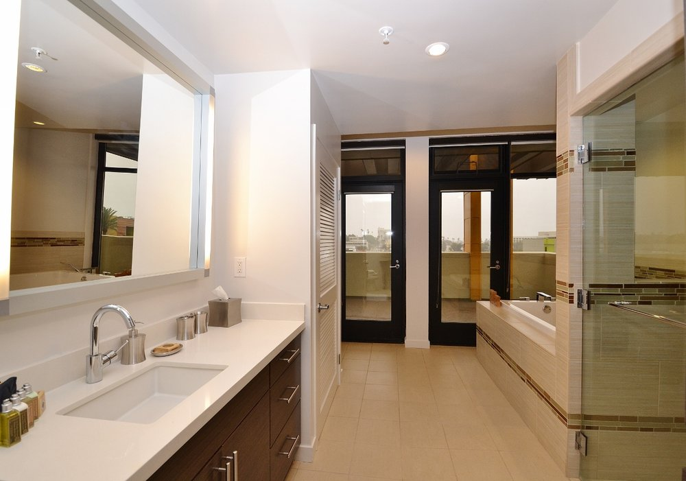 Santa-Monica-Apartments-1548-6th-Bathroom.jpg