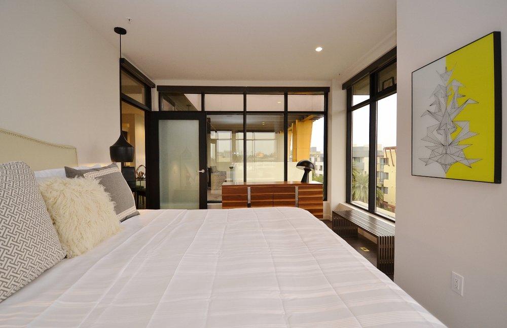 Santa-Monica-Apartments-1548-6th-Bedroom-3.jpg