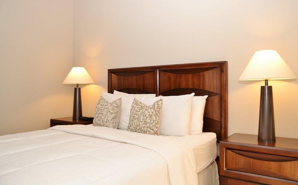 Santa-Monica-Apartments-1548-6th-Bedroom-9.jpg