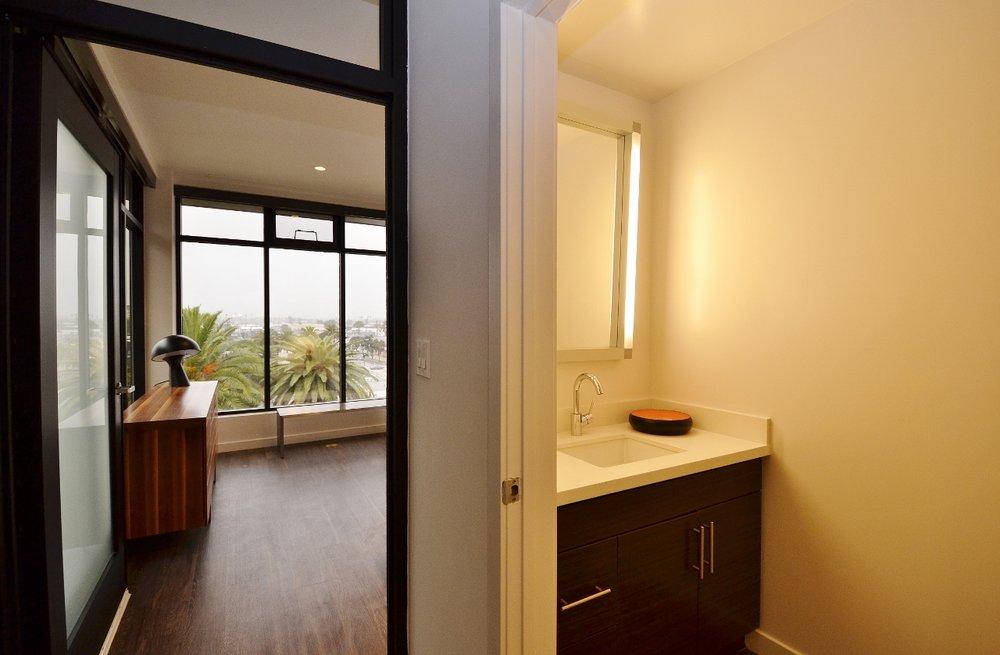 Santa-Monica-Apartments-1548-6th-Bedroom-Bathroom.jpg