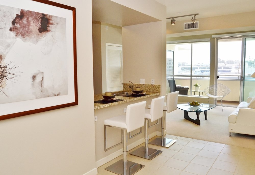 Santa-Monica-Apartments-1548-6th-Counter.jpg
