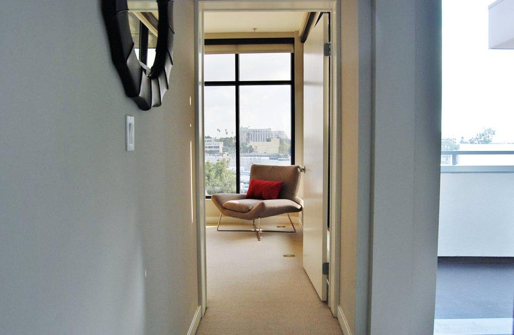 Santa-Monica-Apartments-1548-6th-Entry.jpg