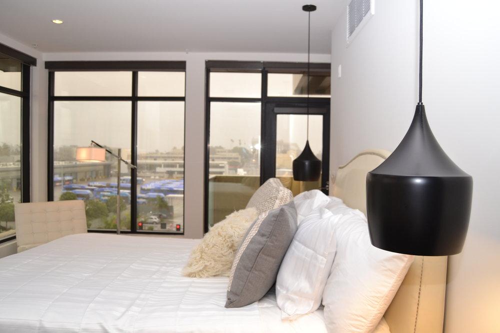 Santa-Monica-Apartments-1548-6th-Bedroom-10.JPG