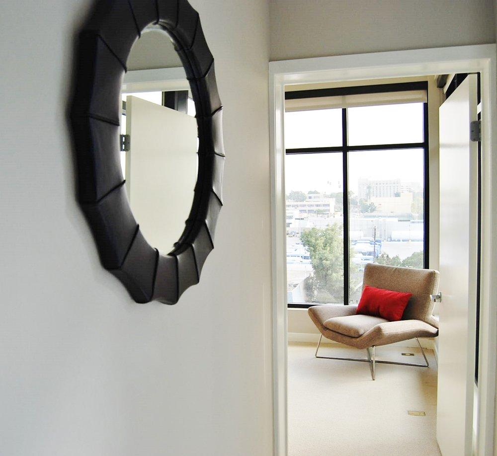 Santa-Monica-Apartments-1548-6th-Entry-2.jpg