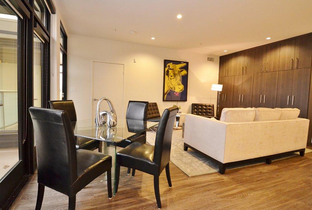 Santa-Monica-Apartments-1548-6th-Living-Room.jpg