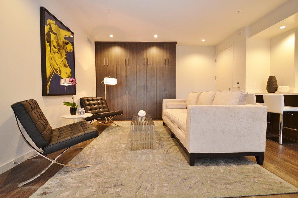 Santa-Monica-Apartments-1548-6th-Living-Room-2.JPG
