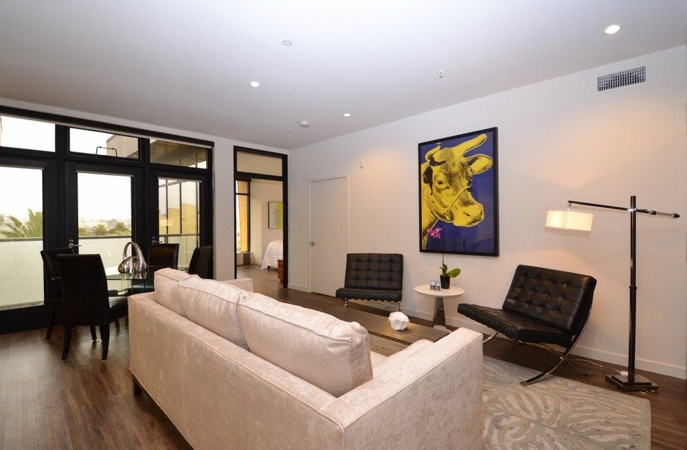 Santa-Monica-Apartments-1548-6th-Living-Room-3.jpg
