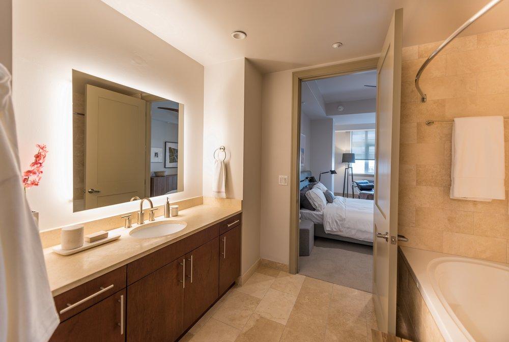 Wilshire-Victoria-Westwood-Apartment-503j.jpg