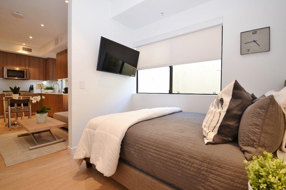 Brentwood-Apartments-11649-Mayfield-Bedroom-2.jpg