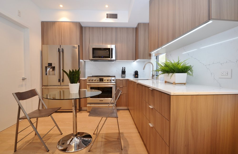 Brentwood-Apartments-11649-Mayfield-Kitchen-2.jpg