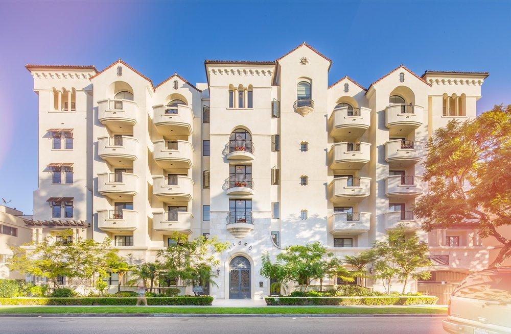 Luxe Villas - 11640 Mayfield Avenue, Los Angeles, CA 90049
