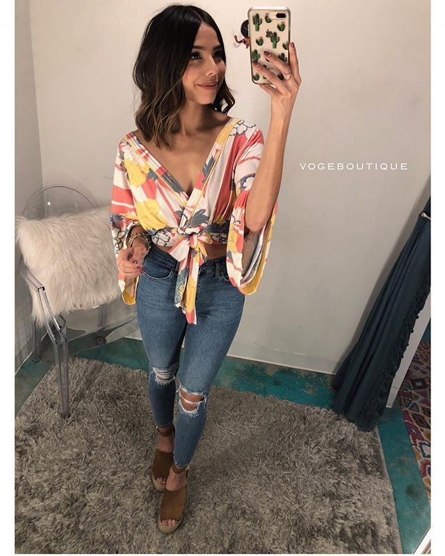 Alright folks ' THAT'S A WRAP ' -come on in and grab our @freepeople printed bell sleeve wrap top | XS-S | $78 | Available in SA only ||     Comment, call 210.254.9297 or iMessage SHOPVOGE@GMAIL.COM to purchase! #shopvoge #vogeboutique #newarrivals #sanantonioboutique #sanmarcosboutique