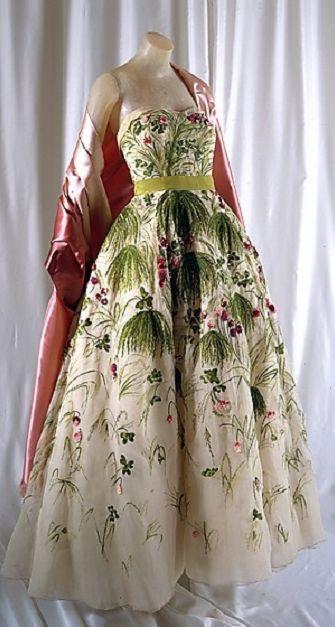 May dress dior 1953.jpg
