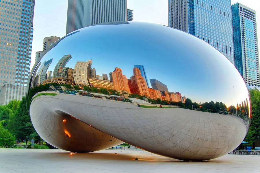 anish kapoor Cloud Gate 2006 photo Mark Warot.jpg