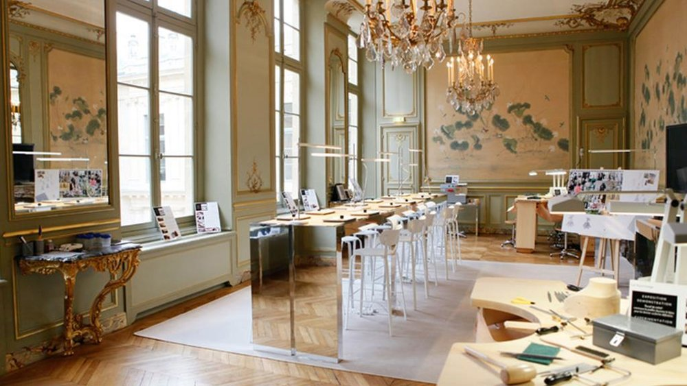 ecole-van-cleef-and-arpels-paris-art-jewels-classroom.jpg