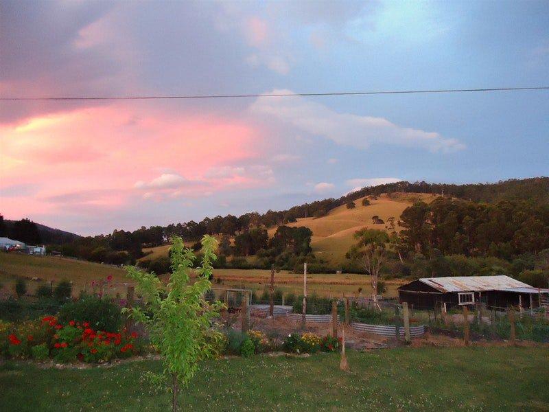 ATDW_Extra_Large_Landscape__9084398_AB02_Ashdowns_of_Dover_sunset_bbv1vpz.jpg