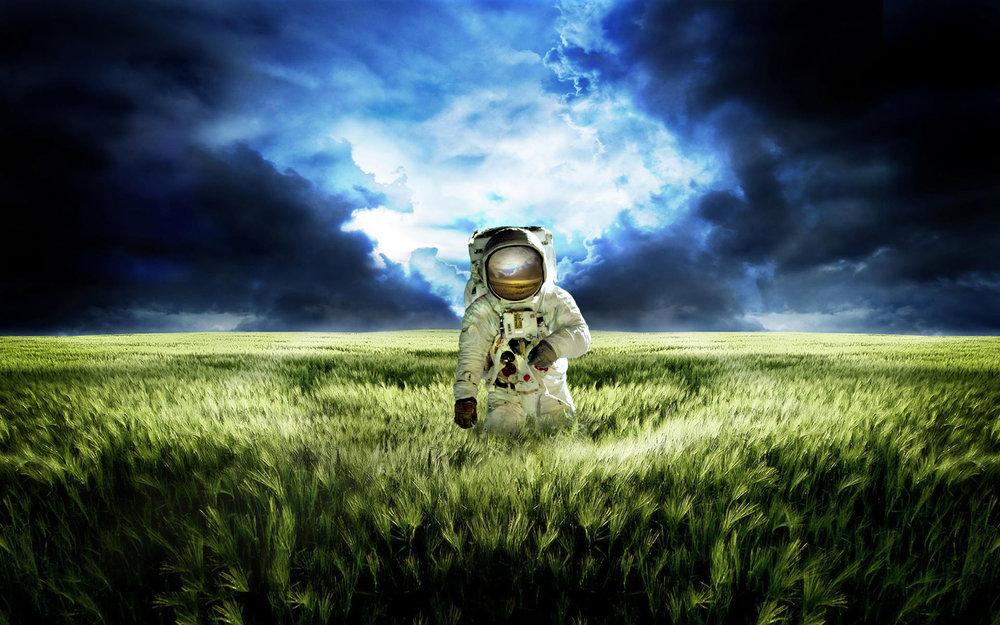 astronaut-wallpaper-high-quality-For-Desktop-Wallpaper.jpg