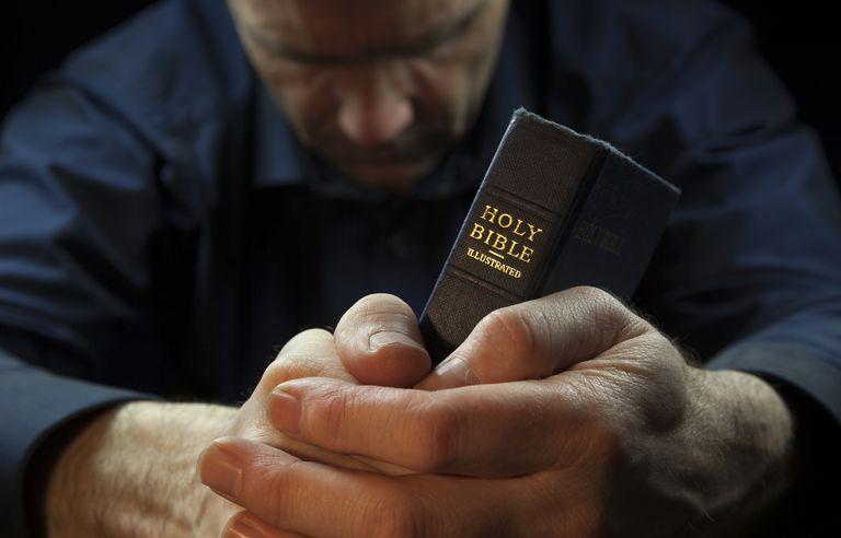 How-to-Pray-GettyImages-523426120-57aceea55f9b58b5c21c66bb.jpg