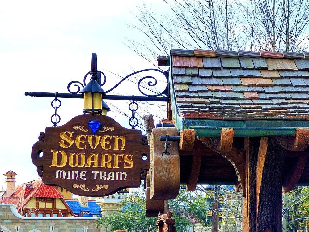 Seven_Dwarfs_Mine_Train_(16629612241).jpg