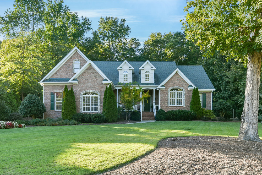 Record Setter! Sold for highest price per square foot in the neighborhood for the past 9 years!