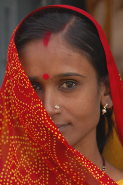 ending-poverty-india-woman-in-red