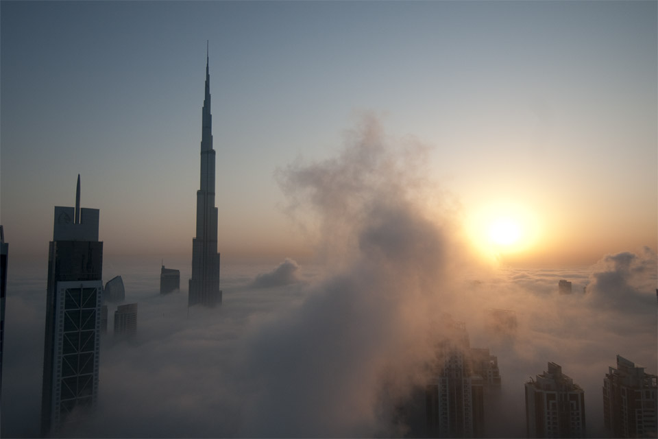foggy_sunrise_in_dubai_1_original.jpg