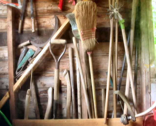 tools-1562881-638x514.jpg