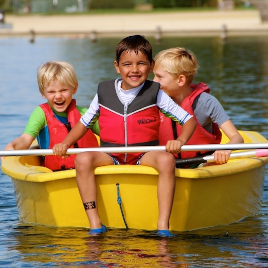 WWS - · TACKER program compliant· Ideal teaching boat for very young absolute beginners· Beginner – 'Learn to sail' program boat
