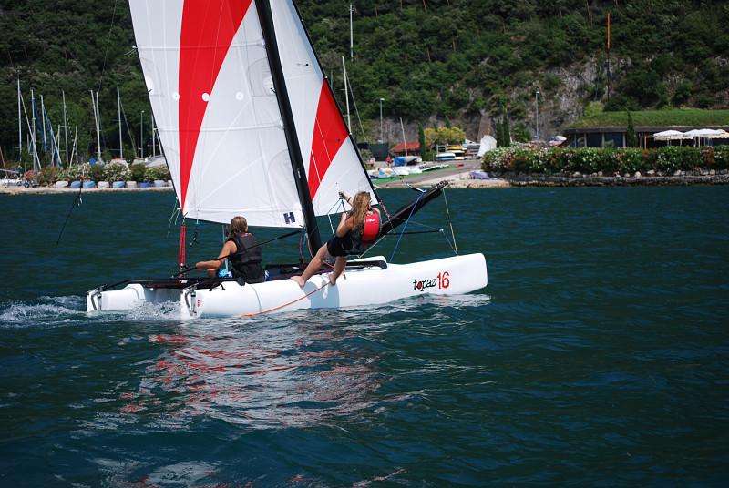 Sailboats_australia_slideshow2_opt.jpg