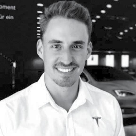 Lee Köppel - Sales Advisor Tesla Zürich