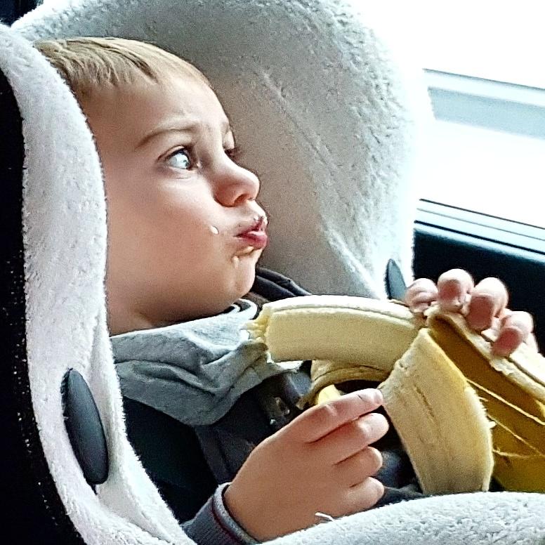 easymomswissmade_marie-biondini_svezzamento_banana_foto001
