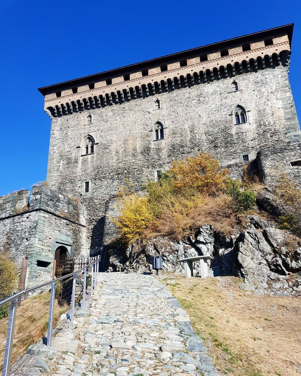 easymomswissmade_marie_biondini_viaggi_valdaosta_castello_verres_montagna_famiglia_bambini_foto003