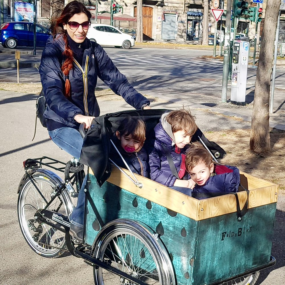 easymomswissmade_marie_biondini_fridabike_cargobike_bicicletta_trasporto_bambini.foto004